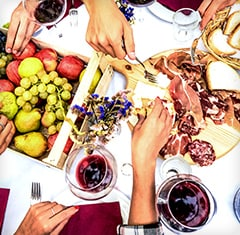 Alfresco Favourites Picnic-perfect wines at special low prices
