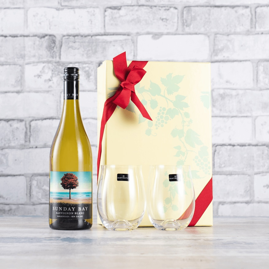New Zealand Sauvignon and Dartington Glasses Gift Set